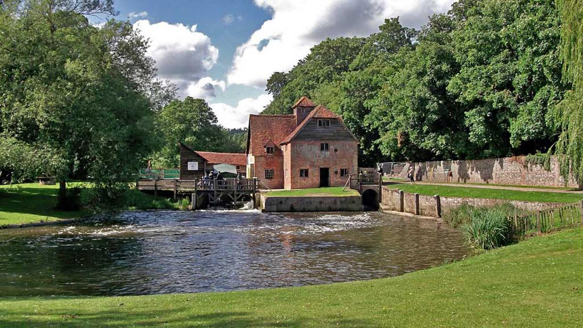Αποτέλεσμα εικόνας για Mapledurham Watermill, Oxfordshire England